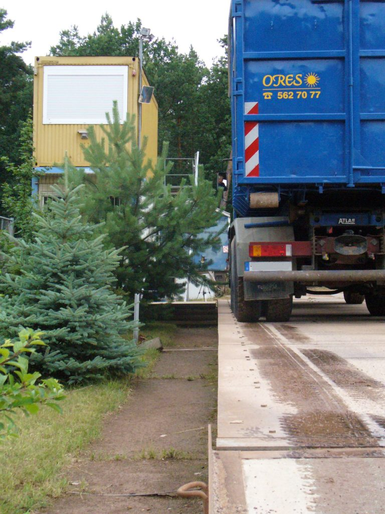 Container LKW auf Waage